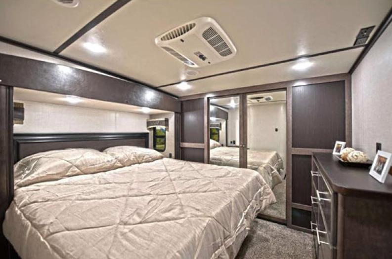 crossroads cruiser bedroom