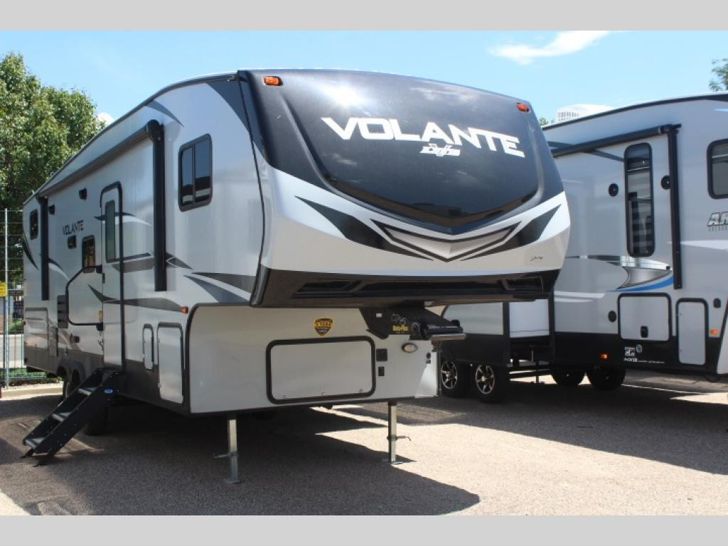 New 2021 CrossRoads RV Volante 270BH